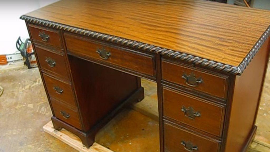 Como restaurar móveis de madeira